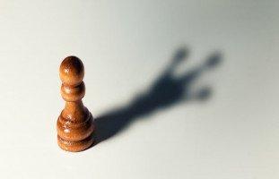 كيف أقوي ثقتي بنفسي؟ بناء الثقة بالنفس وقوة الشخصية