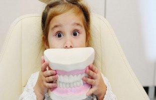 خوف الطفل من زيارة طبيب الأسنان