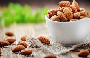 فوائد اللوز للصحة وعناصر اللوز الغذائية