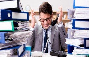 مشكلة الإفراط في العمل وكيفية حلّها
