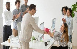 مفهوم الإخلاص في العمل الوظيفي والأمانة في العمل