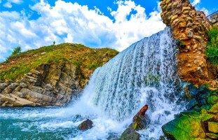 الماء في المنام وتفسير حلم الماء بالتفصيل