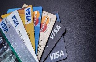 أنواع البطاقات الائتمانية والفرق بين فيزا وماستر كارد