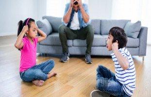 طرق تربوية للتدخل في صراعات الأبناء مع بعضهم
