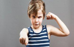 أسباب العدوانية عند الأطفال وعلاج الطفل العدواني