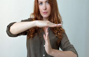 المغالطات المنطقية والأخطاء الشائعة أثناء النقاش