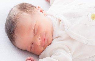 علاج المغص عند الرضع وأسباب مغص الرضيع