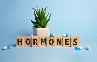 أعراض خلل الهرمونات عند المرأة والرجل