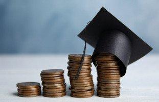 تنمية الوعي المادي للطلاب وإدارة مصاريف الدراسة