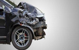 تفسير حادث السيارة في الحلم ورمز الدهس في المنام
