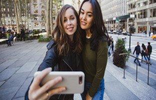 كيفية التعامل مع الأصدقاء الجدد وتقوية الصداقة
