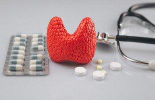 هل حبوب الغدة الدرقية تؤثر على موعد الدورة الشهرية؟