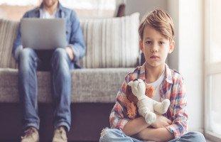 أسباب نفور الأبناء من الآباء وكره الأهل
