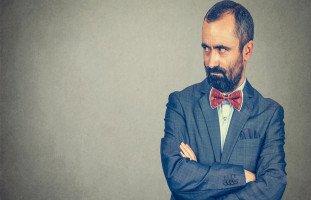 صفات الزوج الحسود والتعامل مع الحسد عند الزوج