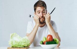 أضرار النظام الغذائي النباتي ومخاطر النباتية