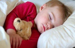 أسباب وعلاج اضطرابات النوم عند الطفل فوق عمر سنتين
