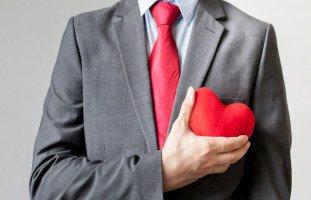 لماذا يتردد الرجل في الاعتراف بالحب ويخفي مشاعره؟