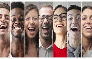 تفسير الضحك في المنام ورؤية حلم الضحك بالتفصيل