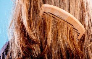 تفسير تمشيط الشعر في المنام وحلم تسريح الشعر