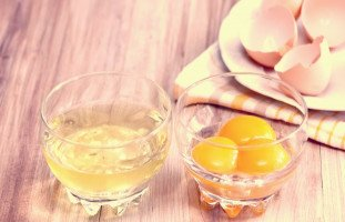 رمز بياض البيض في المنام وأكل البياض في الحلم