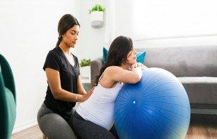 فوائد التدليك أثناء الحمل وأضرار المساج للحامل