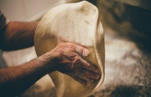 الخبز في المنام وتفسير حلم الخبز والعجين بالتفصيل