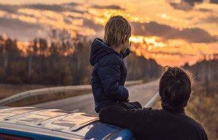 كيف تجعل ابنك صديقاً لكَ؟