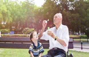 أهميّة وجود الجدّين في حياة الأطفال