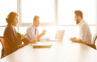 سؤال نقاط الضعف ونقاط القوة في مقابلة العمل