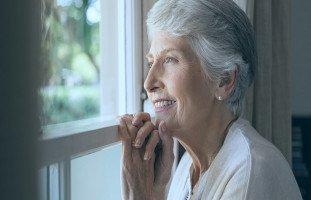 تفسير رؤية الجدة في المنام ورموز حلم الجدة