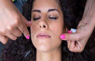 أفضل الطرق لإزالة شعر الوجه الزائد للنساء
