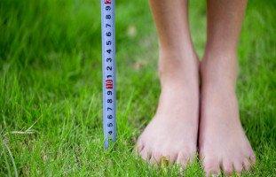 هل يمكن أن يقصر الإنسان ويفقد طوله؟