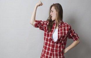 إيجابيات وسلبيات استقلالية المرأة