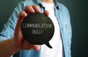 تطوير مهارات التواصل مع الآخرين وكسب ثقة الناس