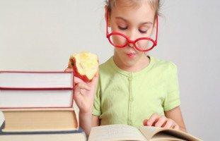 علاج عدم التركيز عند الأطفال بالأعشاب وأطعمة لزيادة التركيز عند الأطفال