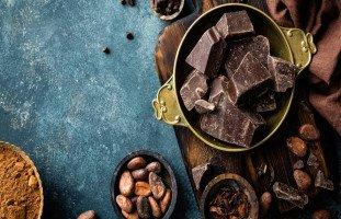 فوائد تناول الشوكولاتة وأضرار إدمان الشوكولاتة