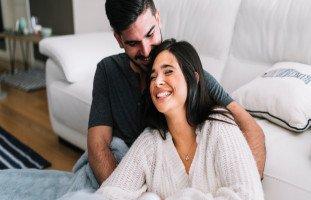 أهمية المداعبة في العلاقة الحميمة بين الزوجين