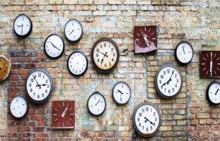 تفسير رؤية الساعة في المنام وتفسير حلم هدية الساعة بالتفصيل
