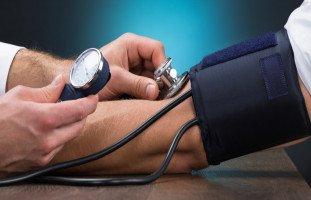 مشروبات تخفض ضغط الدم ونصائح الحفاظ على ضغط الدم الطبيعي
