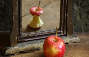 أسباب انخفاض احترام الذات وطرق تعزيز تقدير الذات
