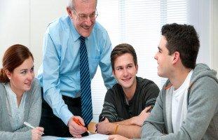 كيفية تعامل الأستاذ مع الطلاب وأهمية العلاقة الجيدة مع الطالب