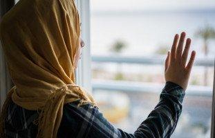 الحجاب في المنام وتفسير رؤية لبس الحجاب وخلعه بالتفصيل