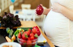 أهمية الخضار والفاكهة في طعام الحامل