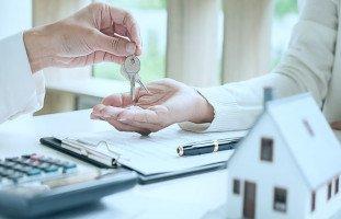تفسير رؤية البيع في المنام ورمز البائع في الحلم