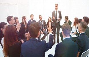 إتقان مهارات التواصل في مكان العمل وأهميتها