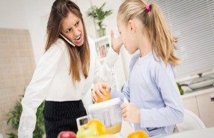 نصائح لتهدئة الأم العصبية وآثار العصبية على الطفل