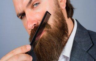 رؤية تمشيط الشعر في المنام للرجل وحلم تمشيط اللحية