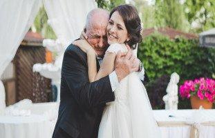 مشاعر الأب عند زواج ابنته ووداع الأب لابنته العروس