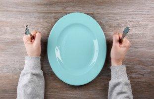 الجوع في المنام وتفسير رؤية الجائع في الحلم بالتفصيل