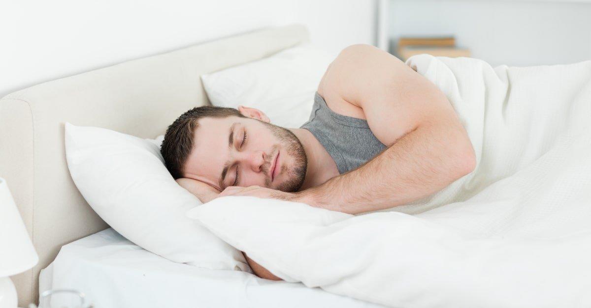 الاحتلام والإفرازات الليلية عند الذكور والإناث